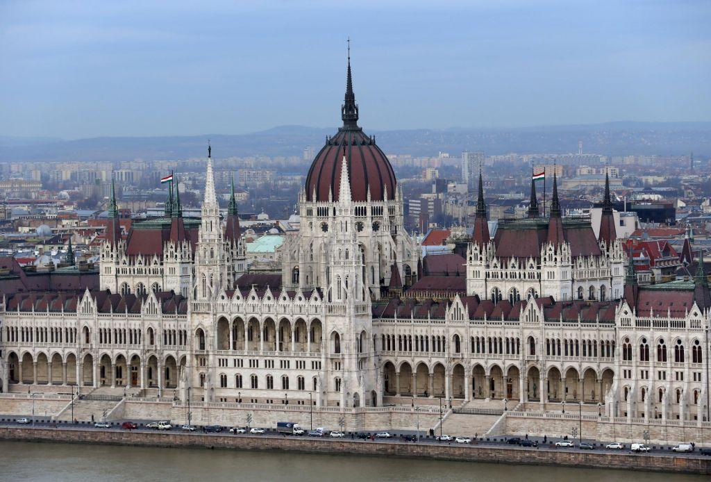 FOTO:Dragulj, ki se dviga tik nad Donavo
