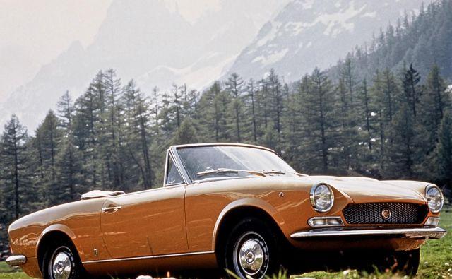 Fiat 124 sport spider šteje z več kot 172 tisoč izdelanimi primerki med tržno najuspešnejše italijanske kabriolete, med katerimi ni mogoče spregledati fiata X1/9 s približno 200 tisoč vozili in alfe romeo spider iz obdobja med letoma 1970 in 1993 s 110 tisoč primerki. FOTO: Fiat
