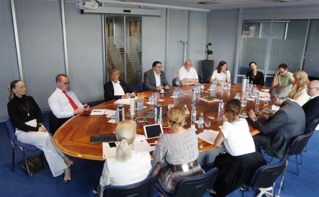 Prvo srečanje strokovne komisije Delovih podjetniških zvezd. Foto Leon Vidic