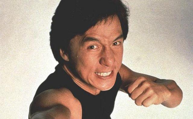 Knjiga spominov Jackieja Chana z naslovom <em>Never Grow Up</em>(<em>Nikoli ne odrasti</em>) bo sledila prvi<em>I Am Jackie Chan: My Life in Action </em>(<em>Sem Jackie Chan: Moje življenje v akciji</em>). FOTO: Promocijsko gradivo