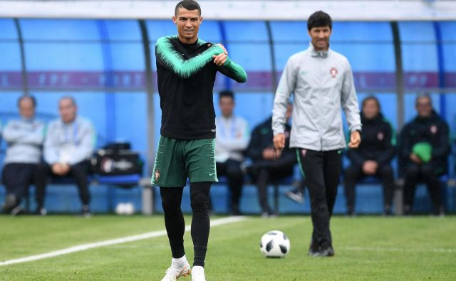 Cristiano Ronaldo je pred dvema letoma osvojil evropsko krono. Lahko Portugalski uspe tudi na svetovnem prvenstvu? FOTO: Francisco Leong/AFP