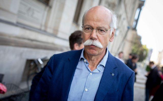 Predsednik uprave Daimlerja, Dieter Zetsche, po sestanku na nemškem prometnem ministrstvu. FOTO: Kay Nietfeld/AFP