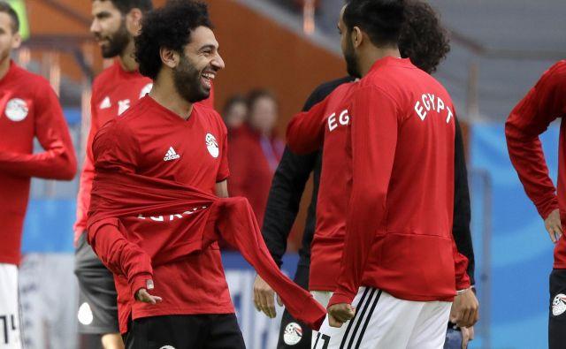 Mohamed Salah, ki danes slavi 26. rojstni dan, je bil na zadnjem treningu pred tekmo z Urugvajem dobro razpoložen. Foto AP