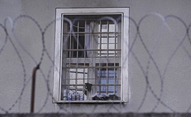 Največja težava zaporskega sistema je zapor Povšetova. FOTO: Tomi Lombar