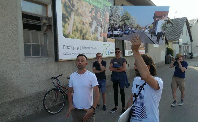Urbanista Marko Peterlin in Matevž Frančič predstavljata svoj predlog ureditve Vodnikove. FOTO: Aleš Stergar