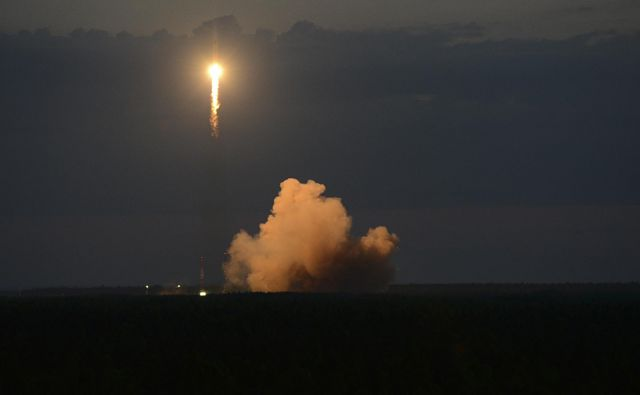 Sojuz je v nebo ponesel navigacijski satelit. FOTO: AP