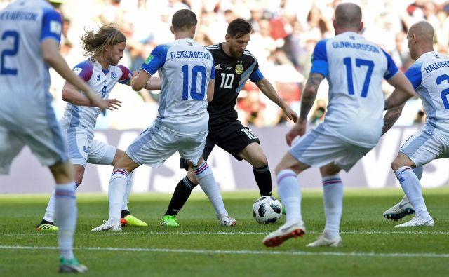 Lionel Messi je bil vselej obrožen z islandskimi silaki.<br /> Foto AFP