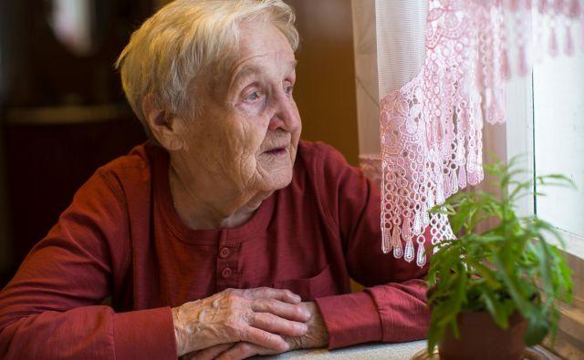V starosti številni razmišljajo o dediščini in komu bodo zapustili svoje premoženje. FOTO: Shutterstock