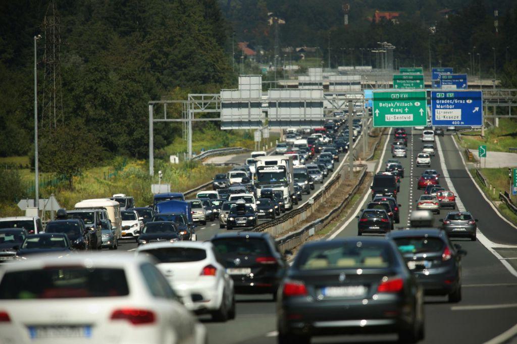 V nesreči na štajerski avtocesti poškodovane tri osebe