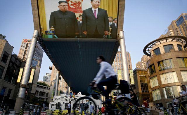 Od konca marca je Kim že tretjič obiskal Kitajsko. FOTO: AP