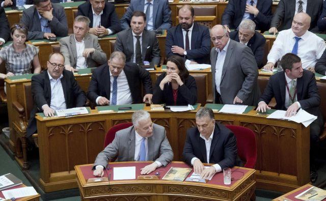Poslej bo vsakršna pomoč pri nezakonitih migracijah kaznivo dejanje. FOTO: Szilard Koszticsak/AP