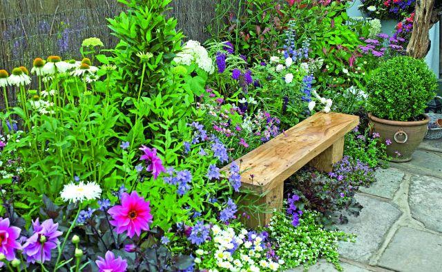 Na vrtu si spočijemo dušo in telo. Kakšen je vaš? Foto Shutterstock All
