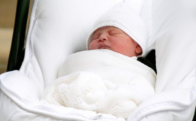Mali Louis ob odhodu iz porodnišnice. FOTO: Henry Nicholls/Reuters