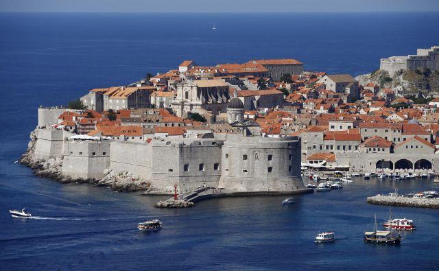 Lani so v Dubrovniku (na fotografiji) cepili 55 odstotkov otrok. FOTO: Reuters