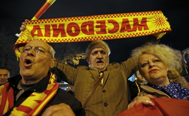 Skladno s sporazumom, ki sta ga Grčija in Makedonija podpisali v nedeljo, bo novo ime Severna Makedonija. FOTO: Tomi Lombar/Delo