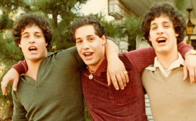 Zgodba trojčkov, ki so jih ločili ob rojstvu, je navdihnila celo dokumentarec.