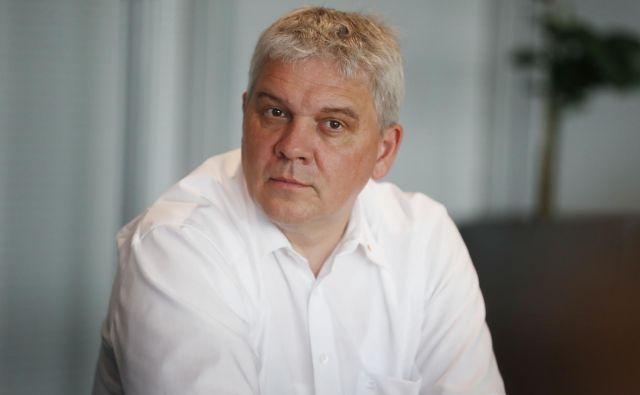Andrej Orožen, ki skupaj z Juretom Knezom vodi Dewesoft, upočasnitve razvoja električnih in avtonomnih vozil zaradi upočasnjevanja gospodarske aktivnosti ne pričakuje.. Foto Leon Vidic