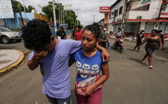 Število smrtnih žrtev in ranjenih narašča. FOTO: Inti Ocon/Afp