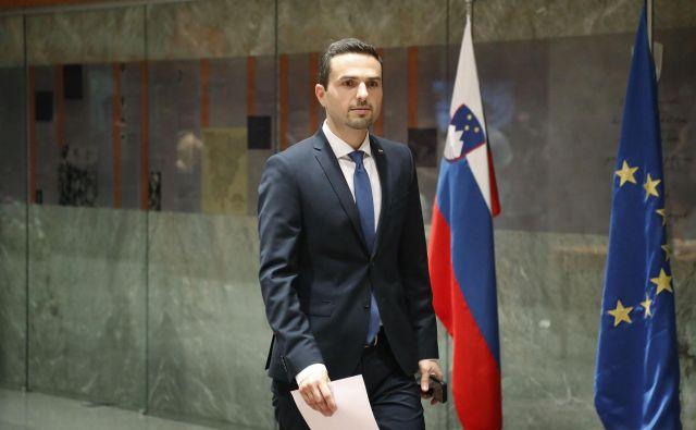 Matej Tonin je prevzel vodenje državnega zbora, a kot kaže, le začasno. FOTO: Leon Vidic/Delo