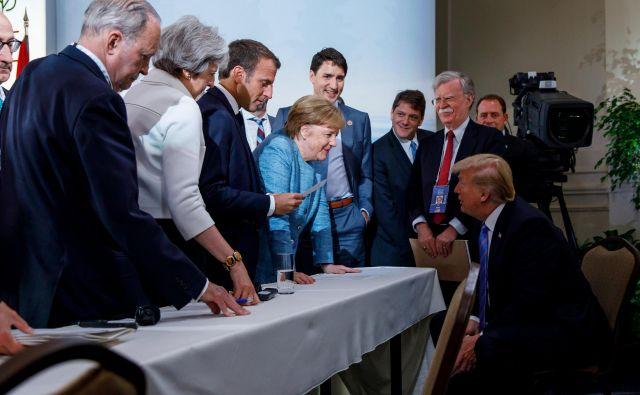 Zaradi carin so bili ohlajeni že odnosi med Trumpom in evropskimi voditelji na vrhu G7 v Kanadi. FOTO: Reuters