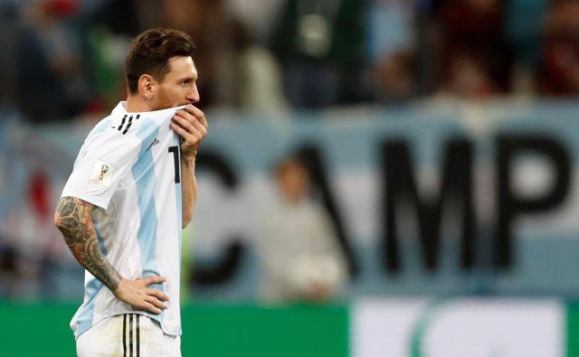 V Argentini se sprašujejo, kaj se na tem SP dogaja z Lionelom Messijem. Foto Matthew Childs/Reuters