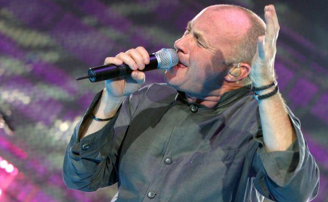 Britanec Phil Collins je z najnovejšo turnejo, katere naslov povzema njegovo avtobiografijo Not dead yet (Ne še mrtev), začel že lani in še poteka. FOTO: Reuters