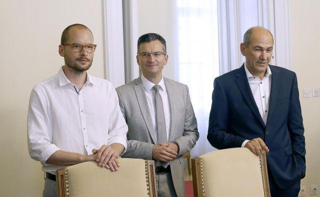 Matej Tašner Vatovec (Levica), Marjan Šarec (LMŠ) in Janez Janša (SDS): Tri bele srajce, dva suknjiča, ena kravata<br /> Foto Blaz Samec