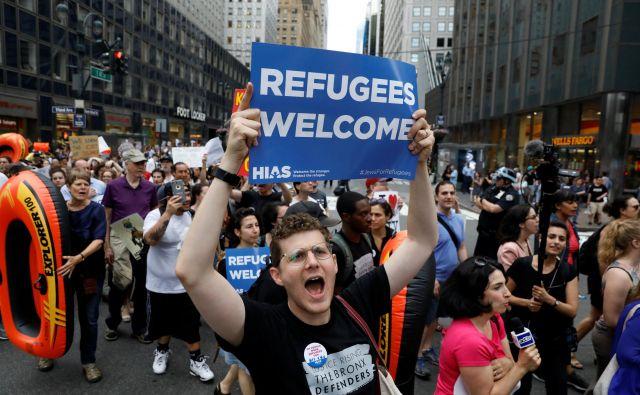 V sredo so ljudje takole protestirali zoper protimigrantske ukrepe Trumpove administracije