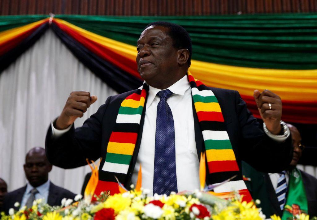 FOTO:Z bombo nad zimbabvejskega predsednika