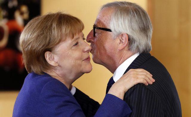 Voditelji držav EU so se strinjali, da bi morala unija zmanjšati nezakonite migracije in zaščititi zunanje meje. FOTO: Yves Herman/Ap