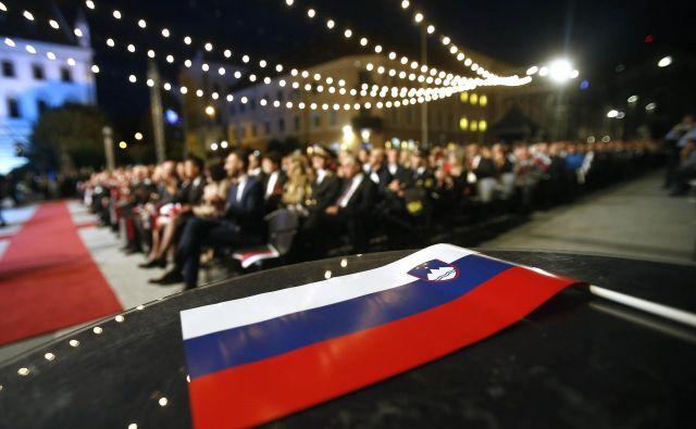 Predsednik Pahor je državljane pozval, naj vsaj ob prazniku opazijo lepote Slovenije in kako srečni smo, ker jo imamo.FOTO: Blaž Samec/Delo