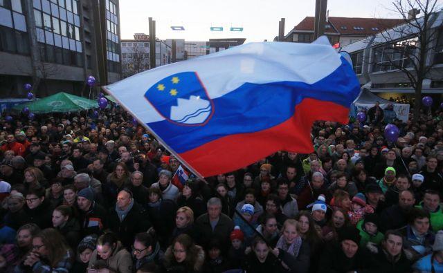 Ob uspehih svojih športnikov Slovenci veselje radi pokažejo tudi z visoko dvignjeno zastavo.<br /> FOTO: Tadej Regent