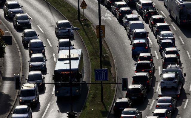 Na slovenskih cestah danes ni večjih zastojev. FOTO: Tomi Lombar
