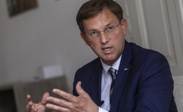V Bruslju bo tudi slovenski premier Miro Cerar, ki opravlja tekoče posle, ne bo pa voditeljev višegrajske četverice. FOTO: Voranc Vogel