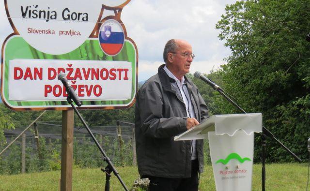 Na Polževem je zbranim spregovoril predsednik Zbora za republiko France Cukjati. FOTO: Bojan Rajšek/Delo
