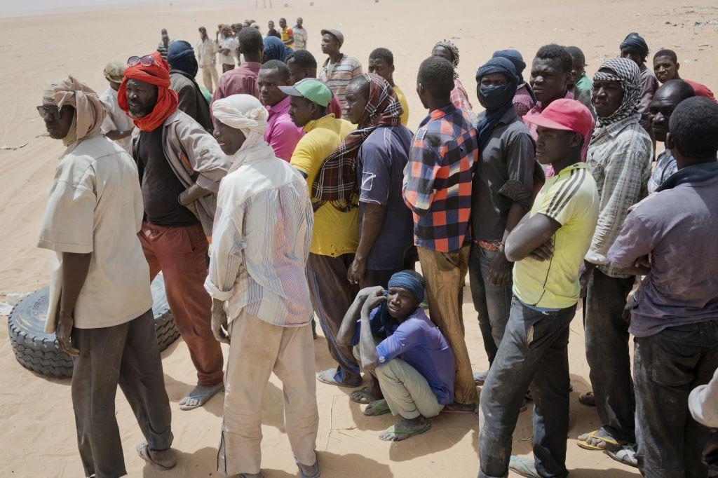 Alžirska tragedija: v puščavo izgnali 13 tisoč migrantov