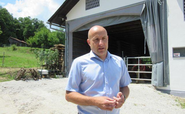 Predsednik krajevne skupnosti Marko Cigler namerava v Konjiški vasi postaviti piščančjo farmo. Vaščani so prepričani, da takšna dejavnost ne sodi v neokrnjeno naravo. FOTO: Špela Kuralt