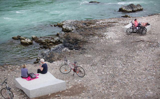 Pla�ža ob Savi v Črnučah bi se ob gradnji vse verige spremenila v jezero. Foto Mavric Pivk