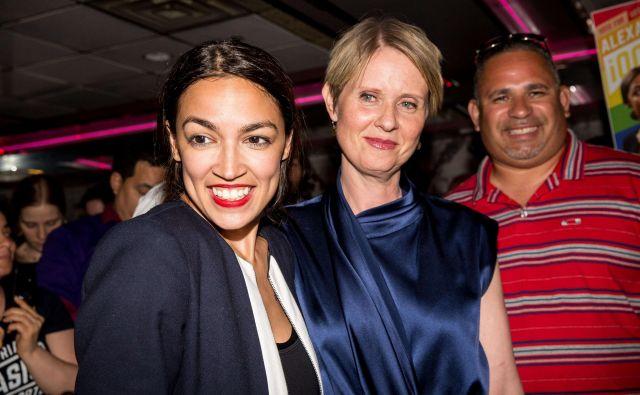 Alexandria Ocasio-Cortez (levo) je prepričana, da je prišel čas za velike spremembe v ameriški družbi. FOTO: AFP