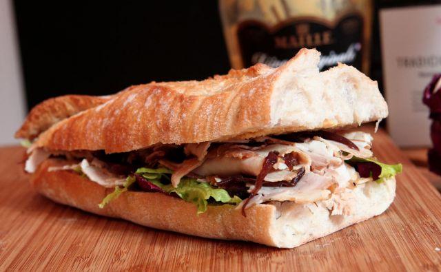 Videonadzor podjetja je pokazal, da je strupeno snov na sendvič nanesel 56-letni uslužbenec. FOTO: Dejan Javornik