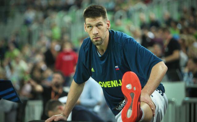 Gašper Vidmar bo zaradi poškodbe kolena izpustil tekmi proti Španiji in Črni gori. Foto Jure Eržen/Delo