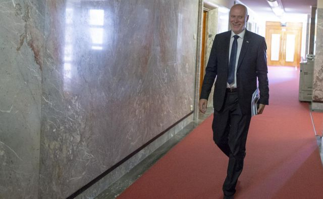 Brglez se že v preteklosti ni vedno strinjal s stališči stranke, nasprotoval je tudi premieru Miru Cerarju. FOTO: Voranc Vogel/Delo