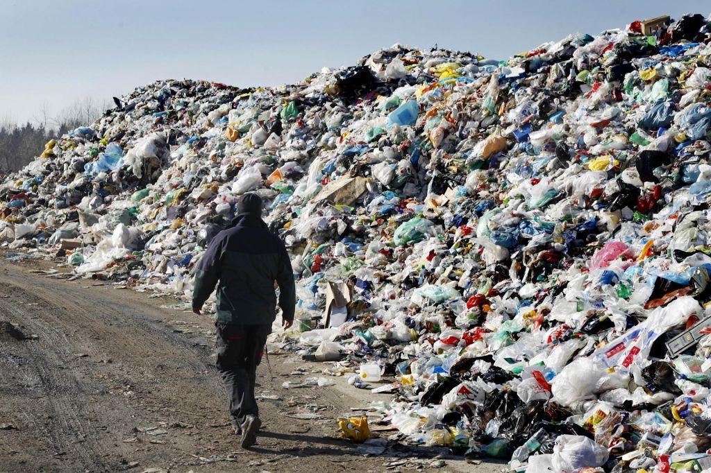 Samo pri Snagi za 82 vagonov odpadkov