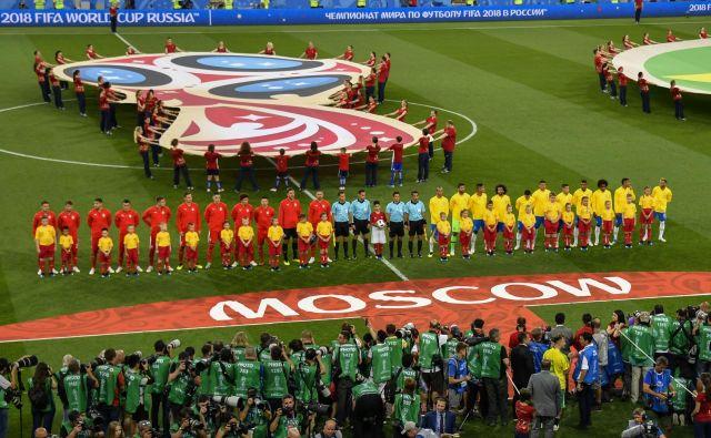 Vsi želijo na nogomet, vsi bi bili del spektakla, kakršen je bil tudi dvoboj med Srbijo in Brazilijo v Moskvi. Foto AFP