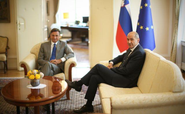 Če bi Janez Janša ugotovil, da vlade ne more sestaviti, lahko soglasje k mandatarstvu umakne. FOTO: Jure Eržen/Delo