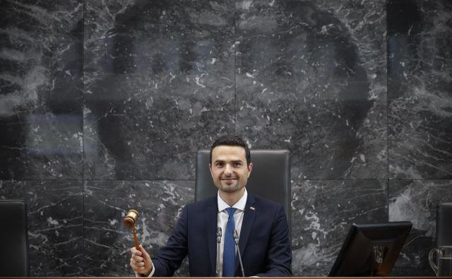 Mag. Matej Tonin, novoizvoljeni predsednik Državnega zbora RS, med prvo redno sejo Državnega zbora. FOTO: Uroš Hočevar/Delo