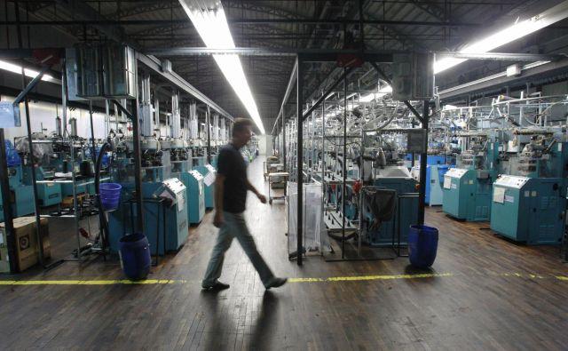 Poslovanje tovarne nogavic v času stečaja je bilo najboljše v zadnjih letih, zdaj pa zapirajo vrata. FOTO: Leon Vidic