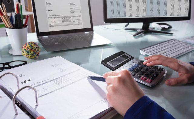 Uvedba e-računov naj bi poenostavila poslovanje in zmanjšala stroške. Foto Shutterstock
