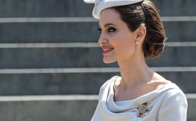 Angelina Jolie je v Londonu blestela. FOTO: John Rainford/wenn