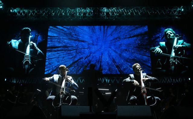 Lanski koncert 2Cellos v Stožicah. FOTO: Jure Eržen/Delo